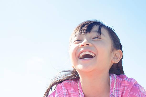 Q:永久歯が生え揃うまで歯列矯正を待った方がいいですか?